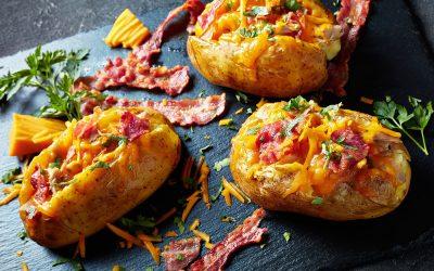 Картофи на фурна с плънка от бекон и чедър